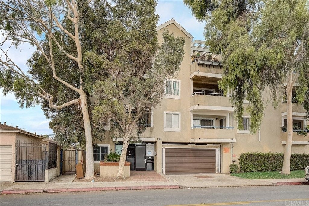 1629 Cherry Avenue 107, Long Beach
