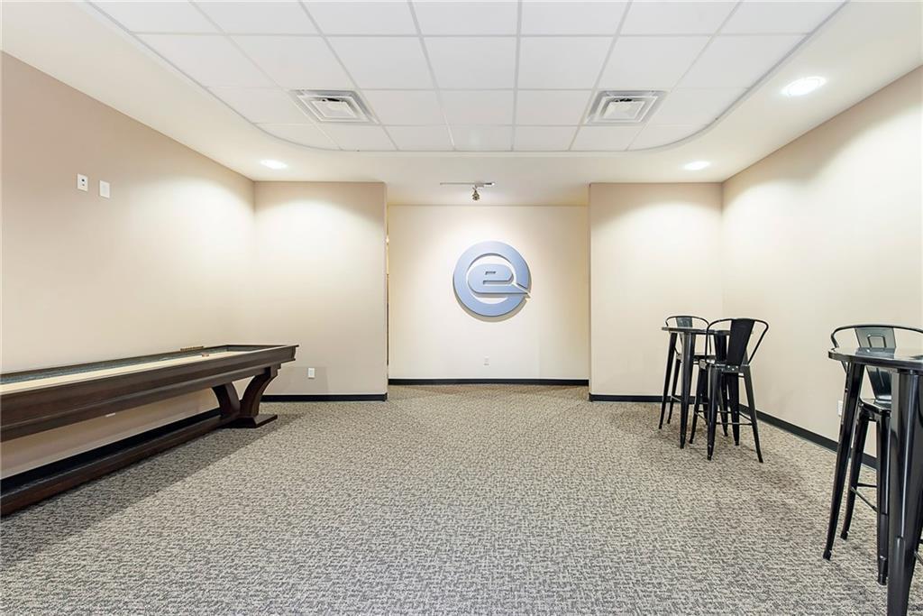 3960 Southeastern Avenue MLS 21581254 Empty photo 15
