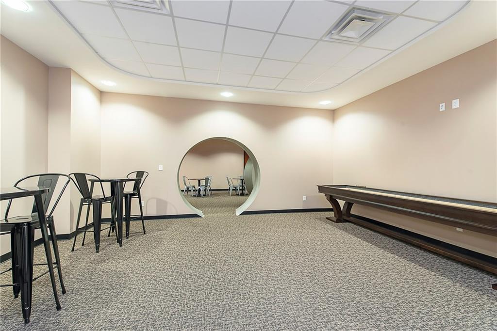 3960 Southeastern Avenue MLS 21581254 Empty photo 16
