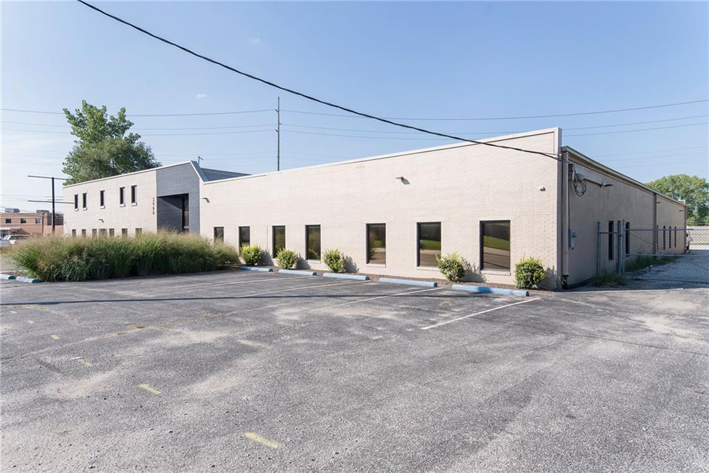 3960 Southeastern Avenue MLS 21581254 Empty photo 1