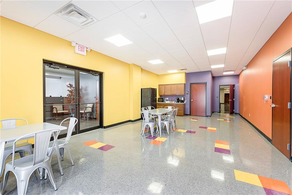 3960 Southeastern Avenue MLS 21581254 Empty photo 33
