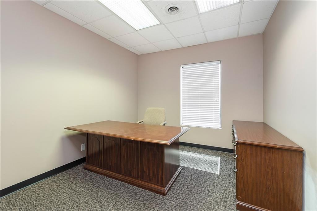 3960 Southeastern Avenue MLS 21581254 Empty photo 47