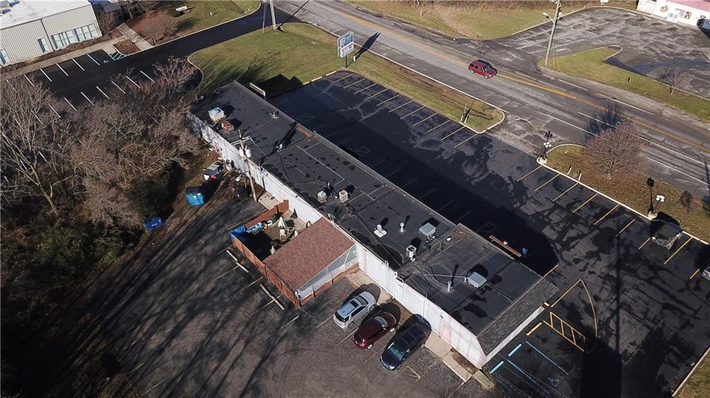 7941 E 30th Street MLS 21610423 Empty photo 9