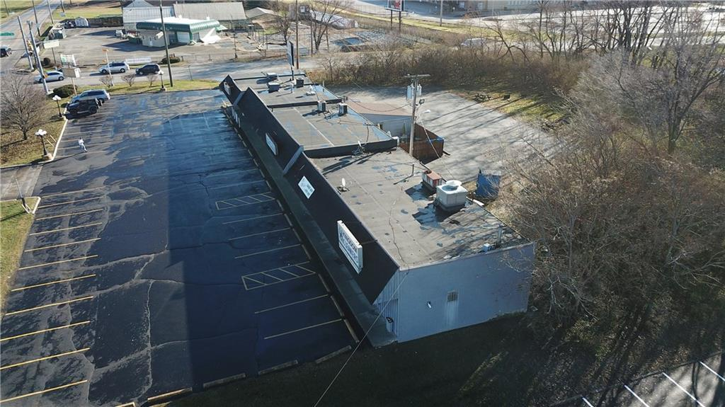 7941 E 30th Street MLS 21610423 Empty photo 5