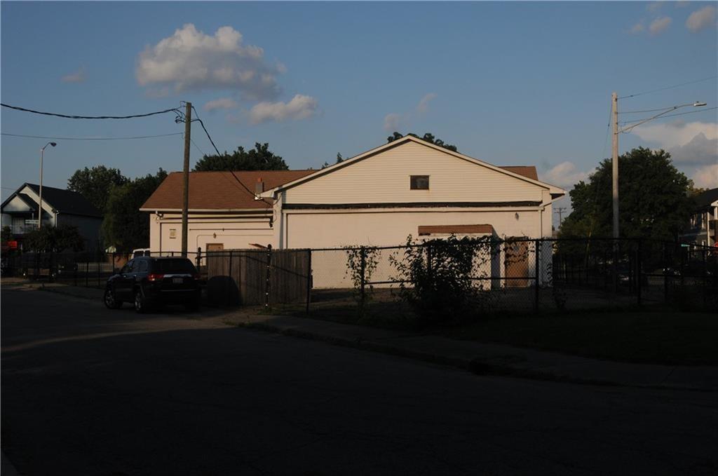 2702 N College Avenue MLS 21655767 Empty photo 3