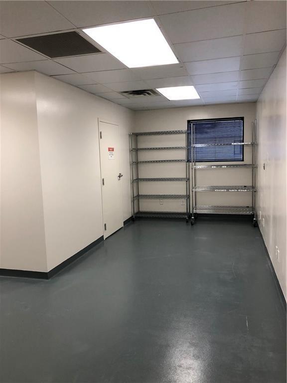 727 E 86th Street MLS 21660404 Empty photo 13