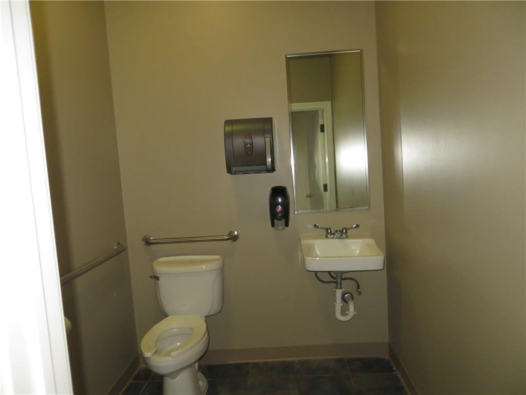 1709 S State Road 135 MLS 21676449 Empty photo 35