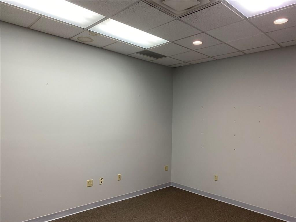 75 Executive Drive B MLS 21676658 Empty photo 4