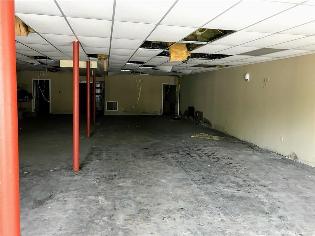 706 Lexington Avenue MLS 21678482 Empty photo 4