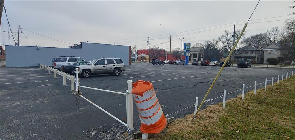 2511 E Washington Street MLS 21685259 Empty photo 6