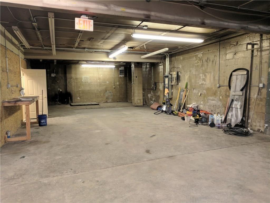 2313 E Washington Street MLS 21689703 Empty photo 1