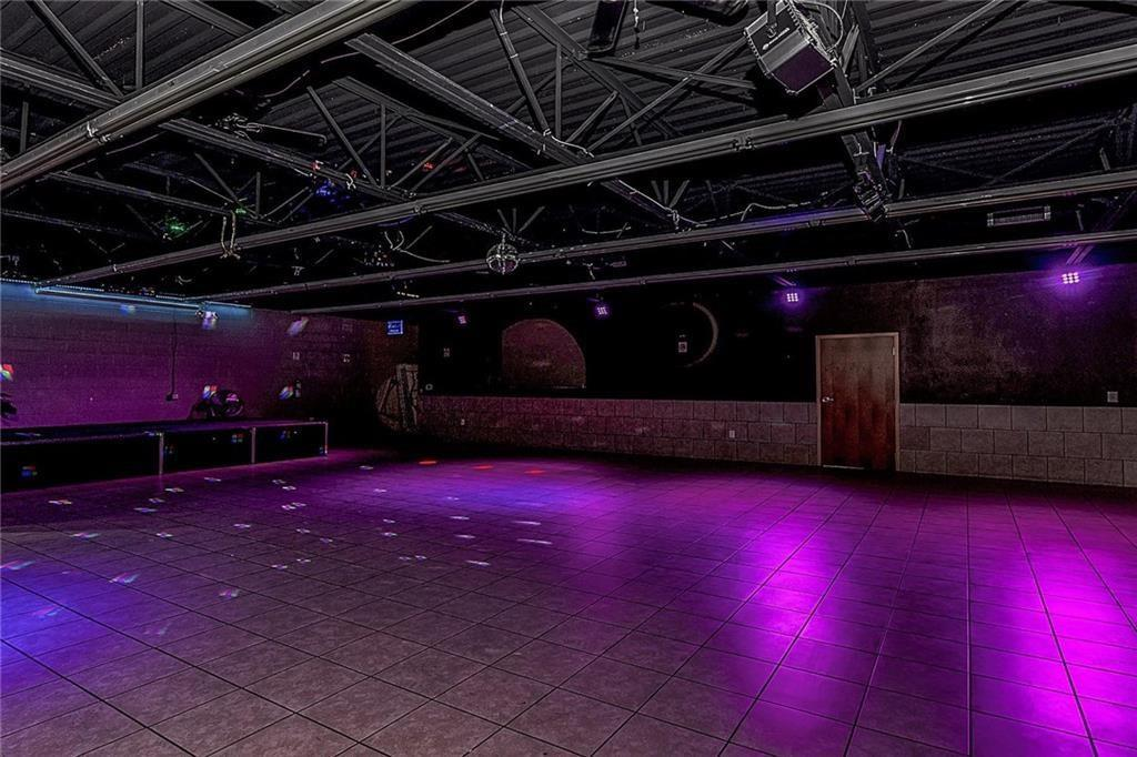4801 N Shadeland Avenue MLS 21702916 Empty photo 8