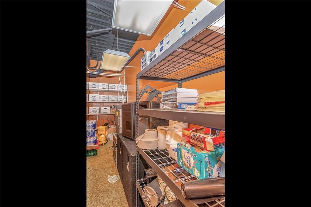 4801 N Shadeland Avenue MLS 21702916 Empty photo 18