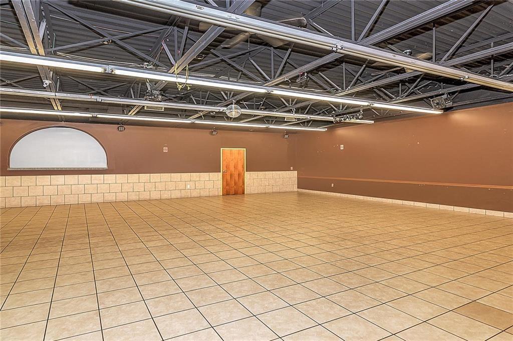 4801 N Shadeland Avenue MLS 21702916 Empty photo 2