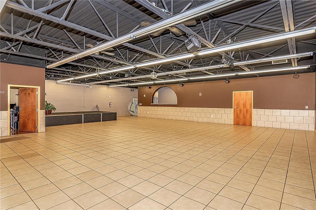 4801 N Shadeland Avenue MLS 21702916 Empty photo 3