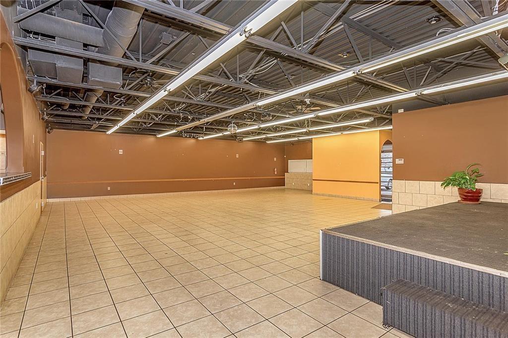 4801 N Shadeland Avenue MLS 21702916 Empty photo 6