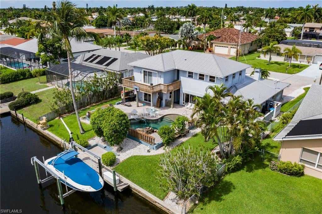 CAPE CORAL Home for Sale - View SW FL MLS #219042994 at 5219 Tamiami Ct in CAPE CORAL in CAPE CORAL, FL - 33904