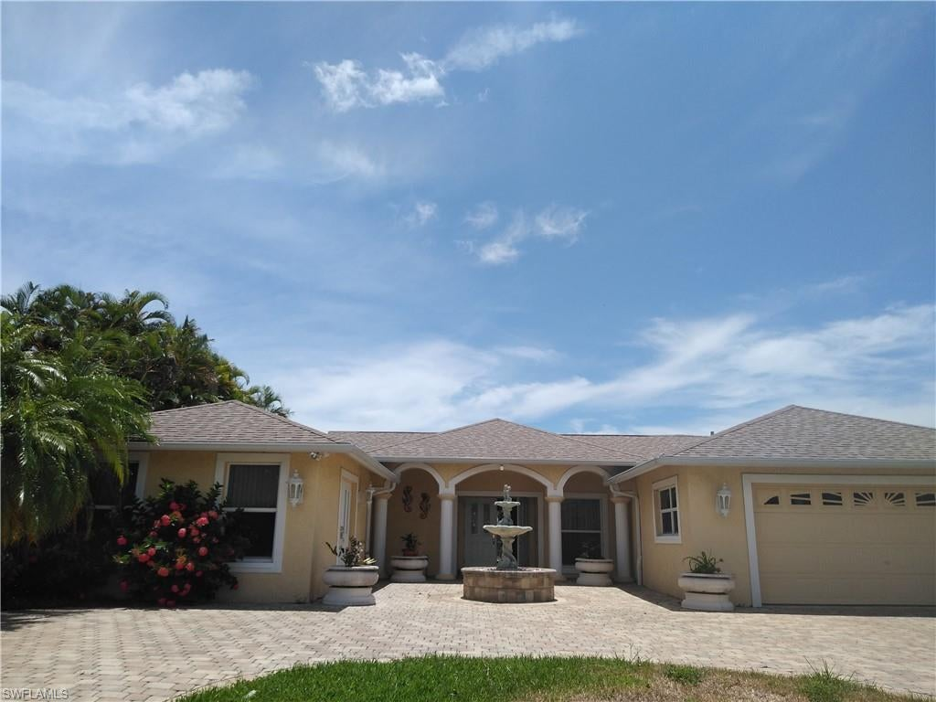 CAPE CORAL Real Estate - View SW FL MLS #219048858 at 2726 Se 24th Pl in CAPE CORAL at CAPE CORAL