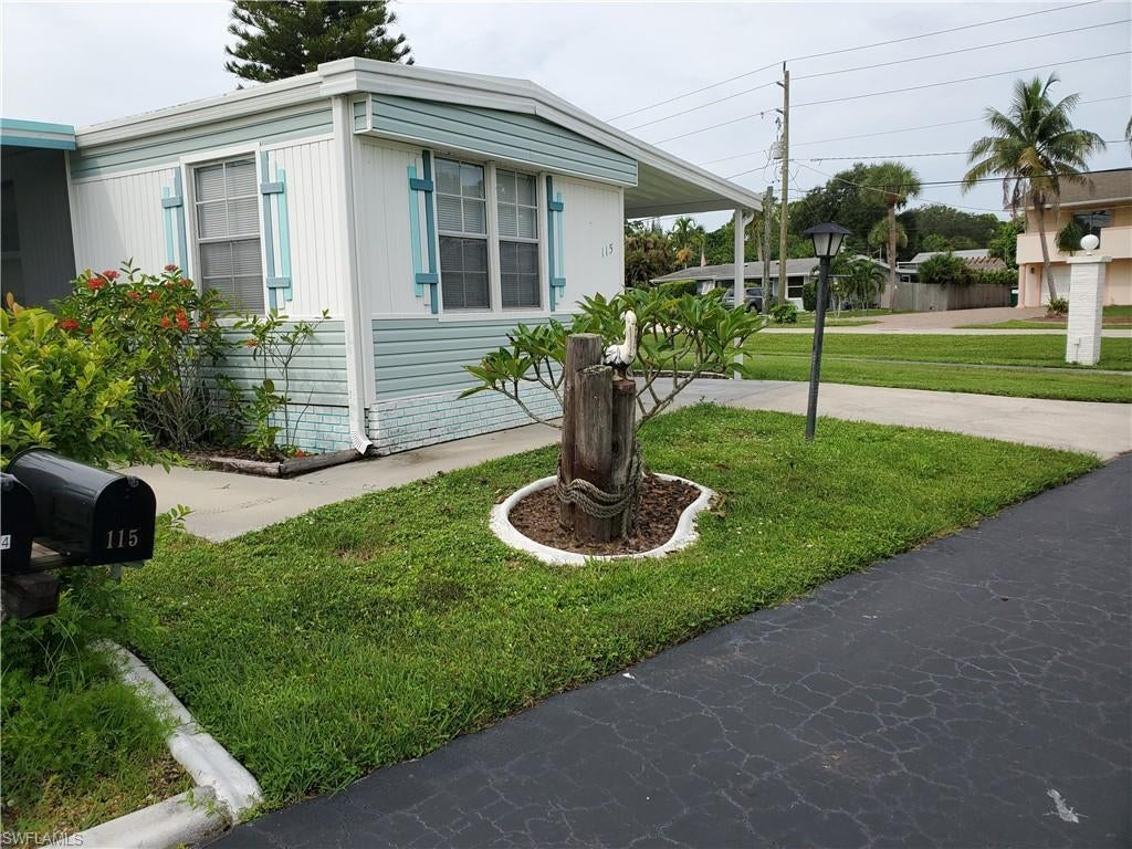 PLANTATION ESTATES MOBILE HOME Home for Sale - View SW FL MLS #219054243 at 115 Maple Ln in PLANTATION ESTATES MOBILE HOME in FORT MYERS, FL - 33908