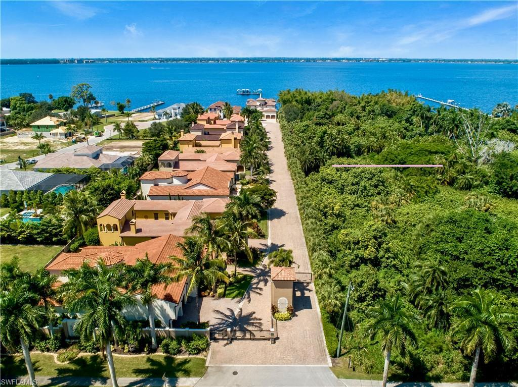 FORT MYERS Real Estate - View SW FL MLS #219062566 at 8941 River Palm Ct in PALMS OF MCGREGOR at PALMS OF MCGREGOR