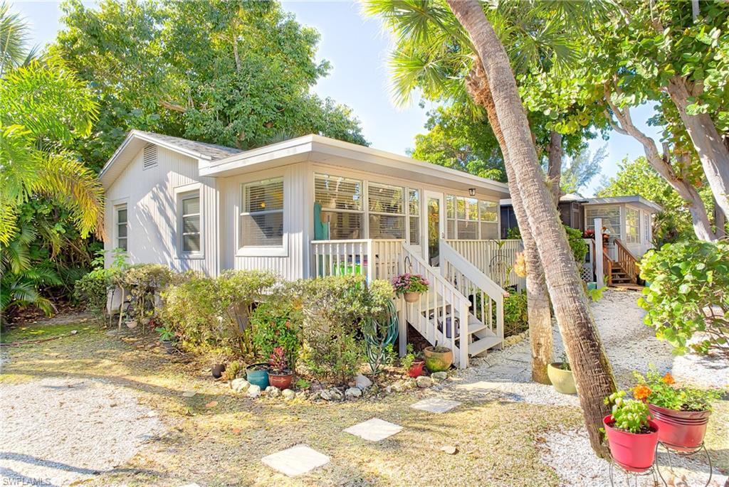 DONAX VILLAGE CONDO Real Estate - View SW FL MLS #219074496 at 724 Donax St 10 in DONAX VILLAGE CONDO in SANIBEL, FL - 33957