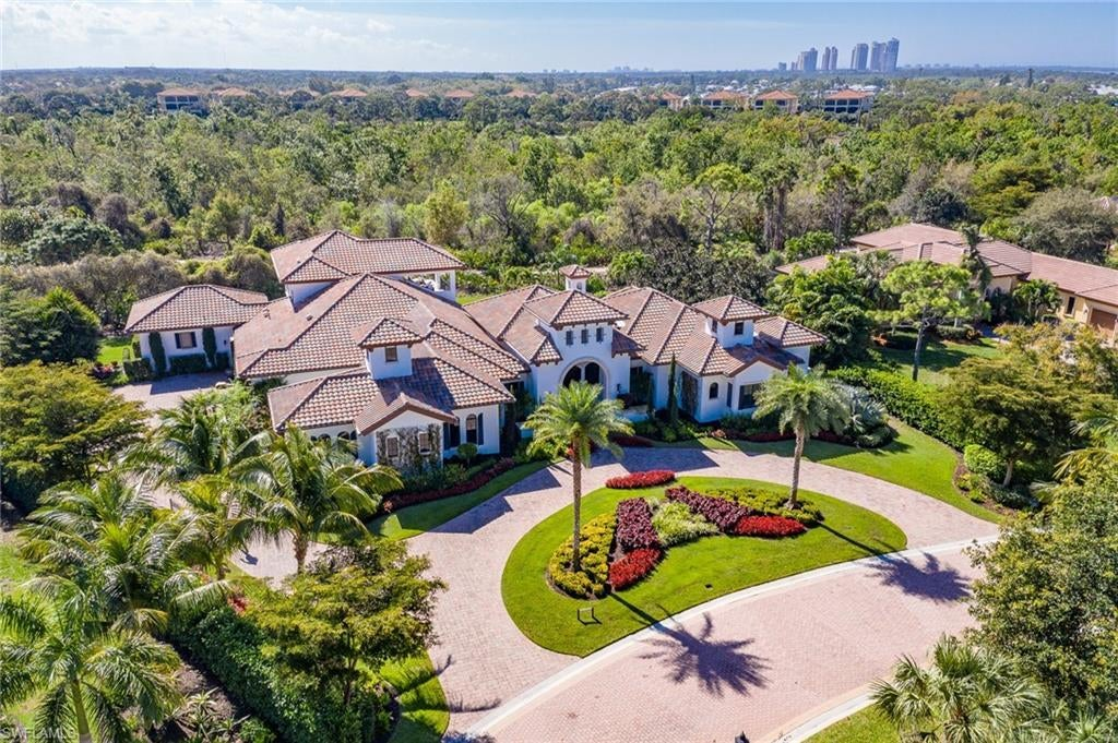TUSCANY ISLE Home for Sale - View SW FL MLS #220003109 at 24040 Tuscany Ct in THE COLONY AT PELICAN LANDING in BONITA SPRINGS, FL - 34134