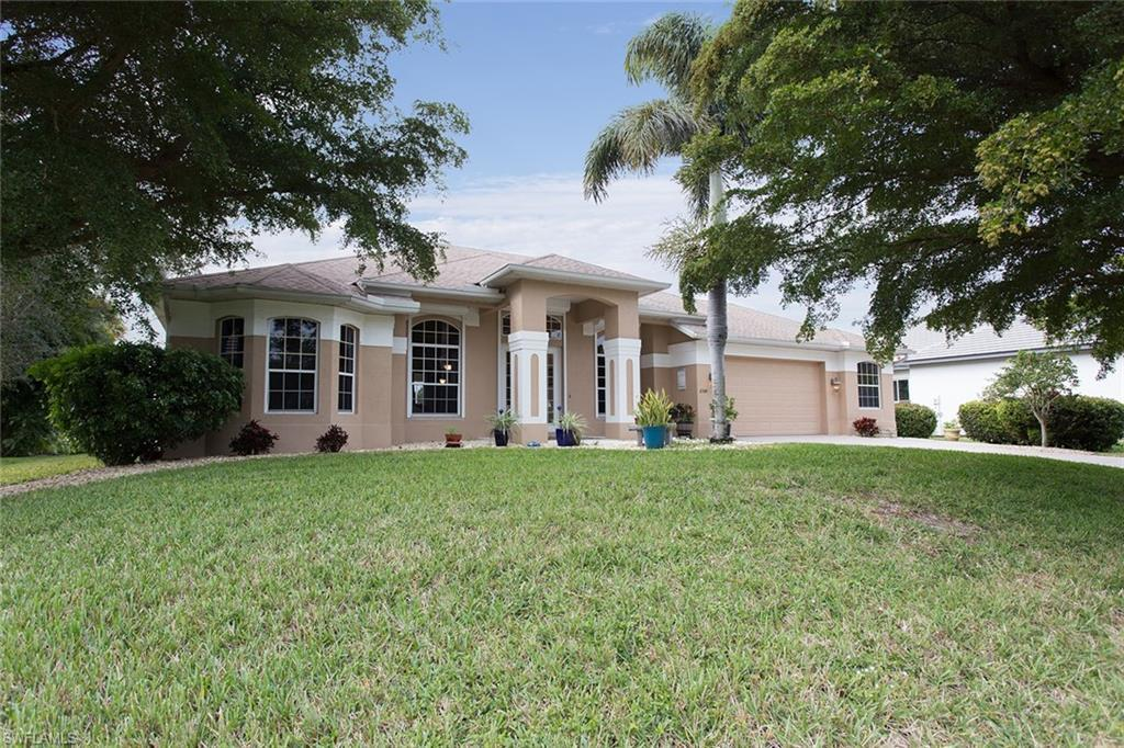 CAPE ROYAL Home for Sale - View SW FL MLS #220003286 at 11358 Royal Tee Cir in CAPE ROYAL in CAPE CORAL, FL - 33991