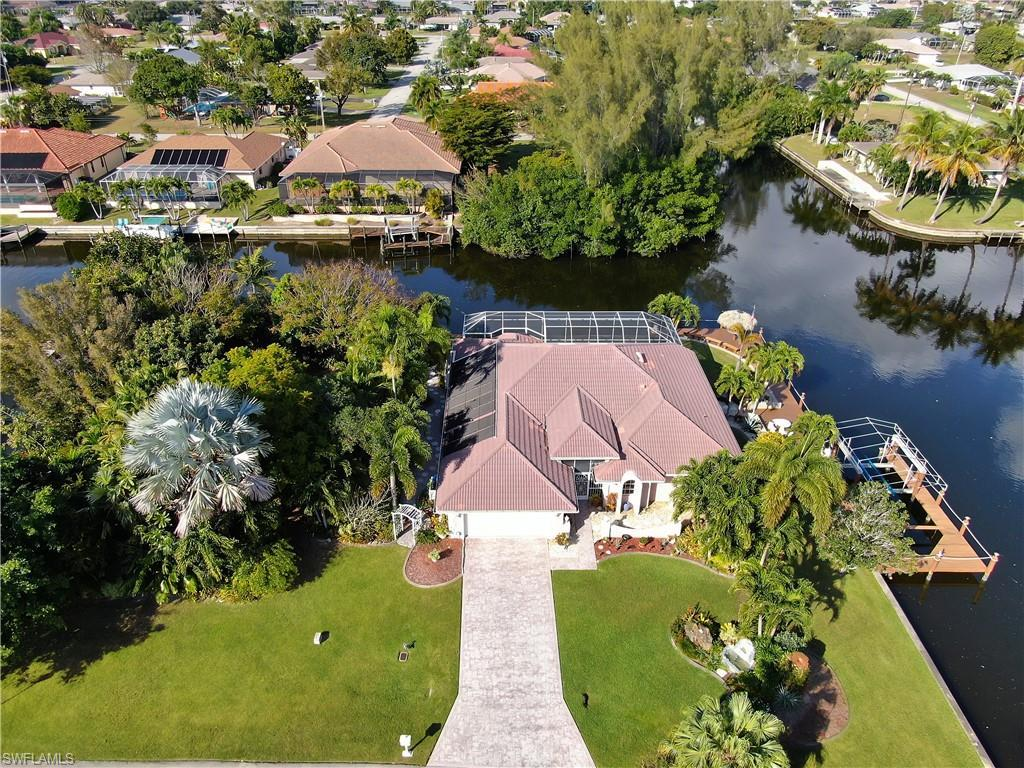 SW Florida Home for Sale - View SW FL MLS Listing #220007649 at 419 Se 33rd Ter in CAPE CORAL, FL - 33904