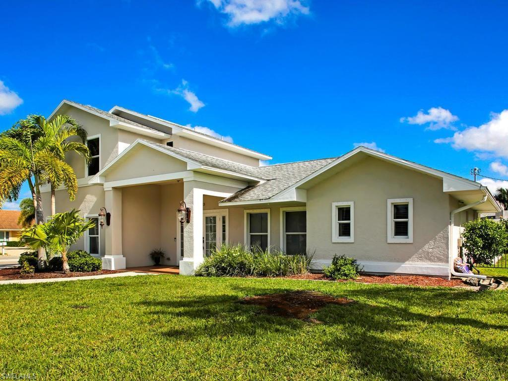 CAPE CORAL Real Estate - View SW FL MLS #220008599 at 1223 Sw 53rd St in CAPE CORAL at CAPE CORAL