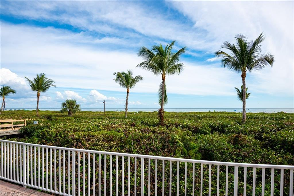 SW Florida Home for Sale - View SW FL MLS Listing #220009226 at 827 E Gulf Dr E4 in SANIBEL, FL - 33957