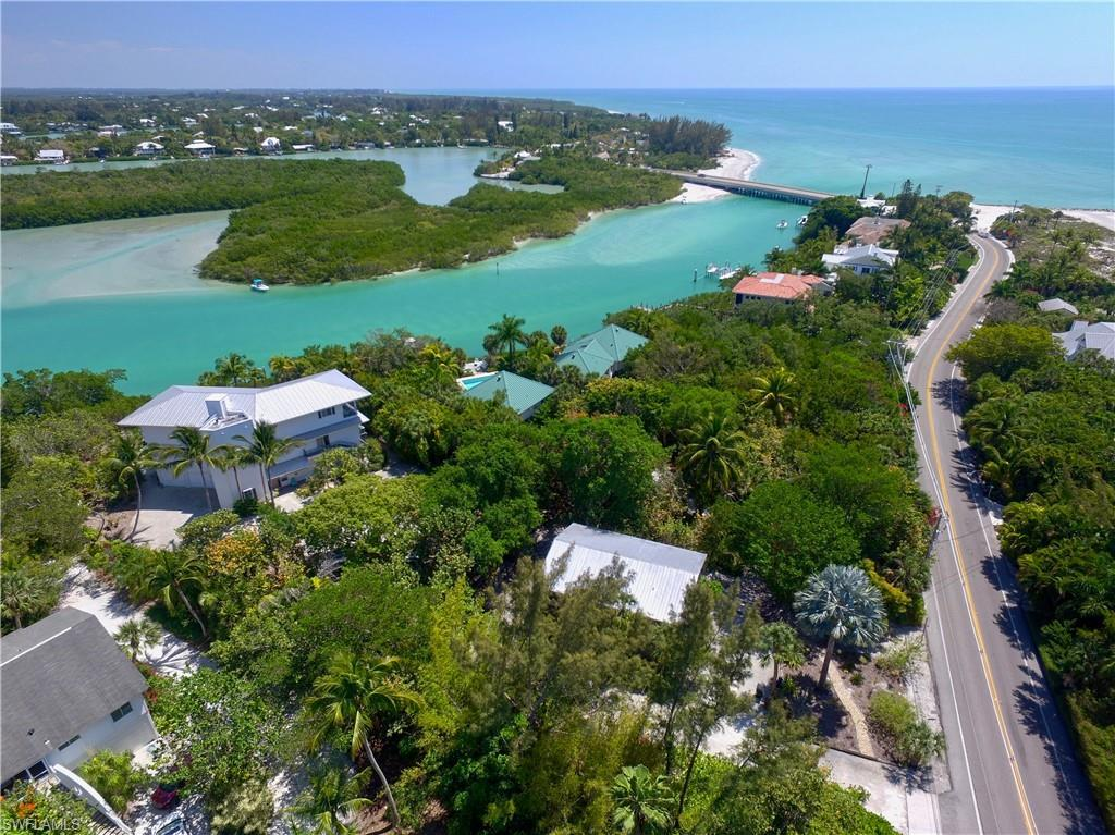 SW Florida Home for Sale - View SW FL MLS Listing #220012023 at 17101 Captiva Dr in CAPTIVA, FL - 33924