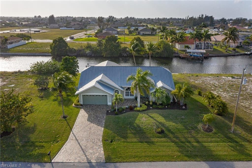 SW Florida Home for Sale - View SW FL MLS Listing #220013399 at 122 Nw 32nd Pl in CAPE CORAL, FL - 33993