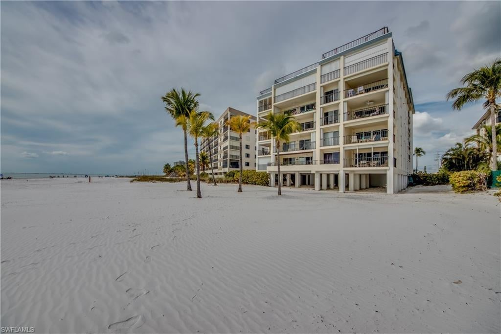 FORT MYERS BEACH Real Estate - View SW FL MLS #220015239 at 2560 Estero Blvd 2a in ISLAND HOUSE BEACH CLUB at ISLAND HOUSE BEACH CLUB