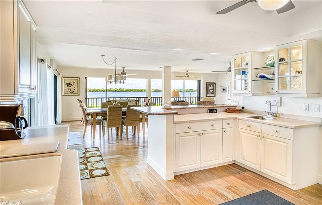 SW Florida Home for Sale - View SW FL MLS Listing #220016372 at 15411 Captiva Dr B1 in CAPTIVA, FL - 33924