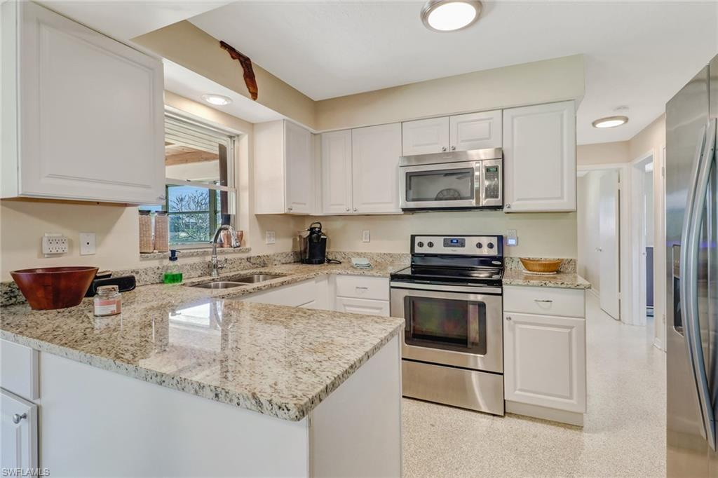 SW Florida Home for Sale - View SW FL MLS Listing #220016662 at 1717 Se 29th Ln in CAPE CORAL, FL - 33904