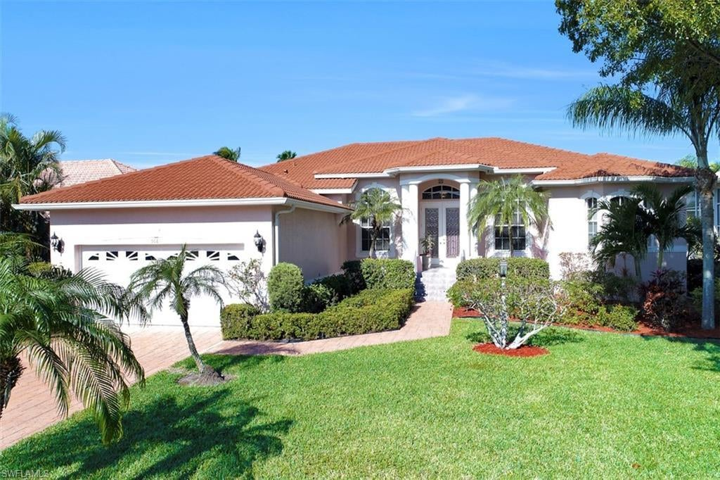 SW Florida Home for Sale - View SW FL MLS Listing #220016957 at 5681 Harborage Dr in FORT MYERS, FL - 33908