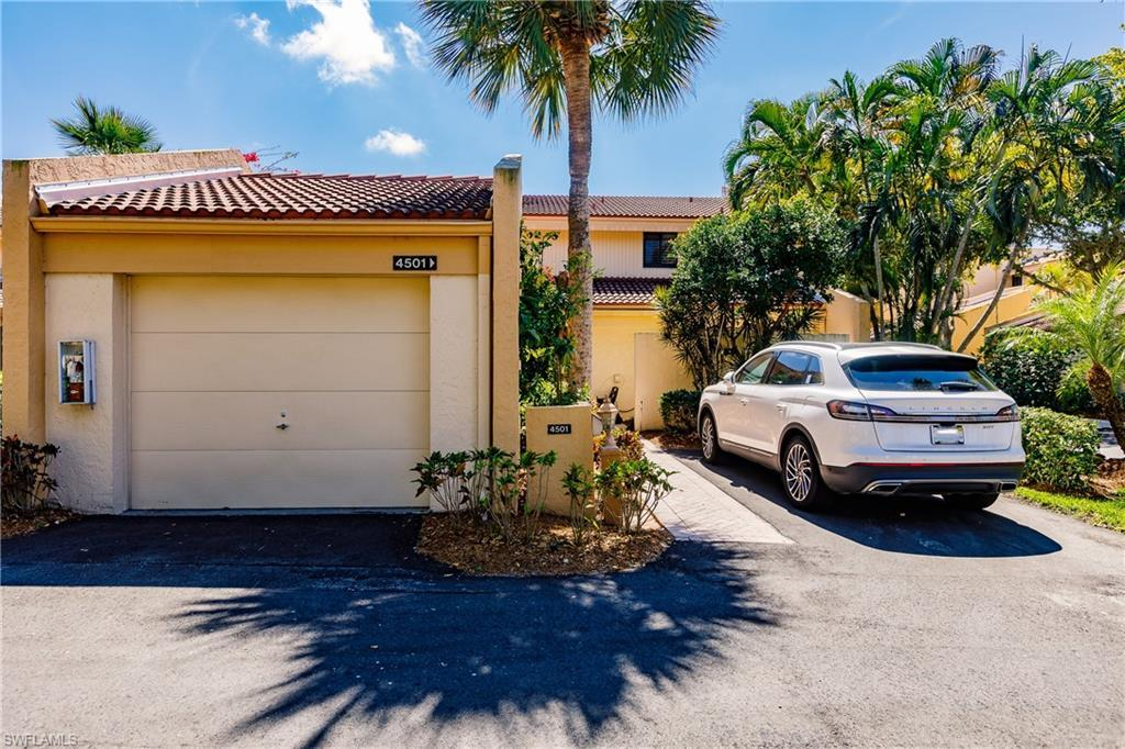 SW Florida Home for Sale - View SW FL MLS Listing #220017226 at 4501 Windjammer Ln in FORT MYERS, FL - 33919