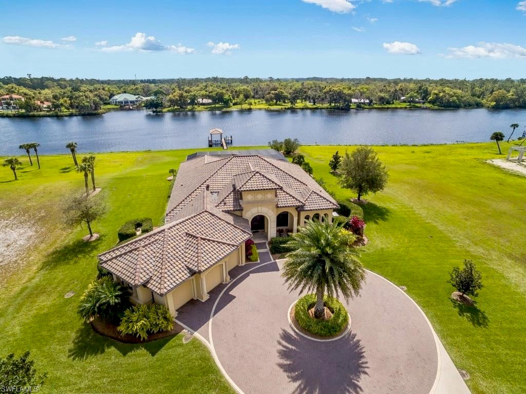 SW Florida Home for Sale - View SW FL MLS Listing #220017316 at 2520 Caloosa Shores Dr in LABELLE, FL - 33935
