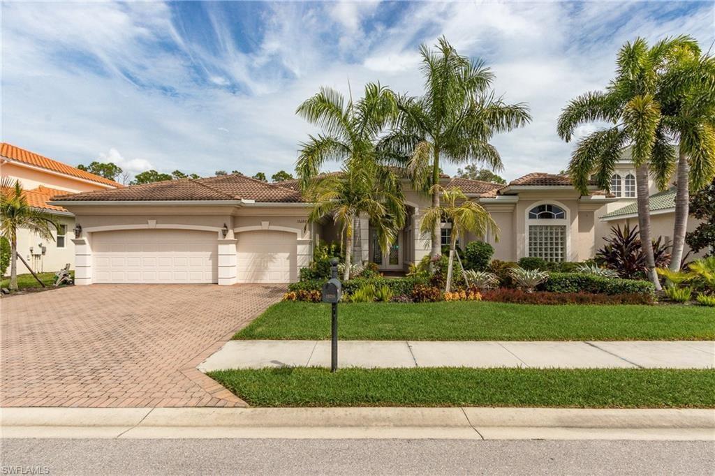 BELLE LAGO Home for Sale - View SW FL MLS #220017696 at 19288 La Serena Dr in BELLE LAGO in ESTERO, FL - 33967