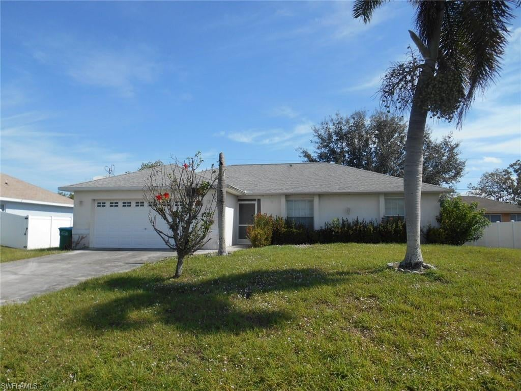 CAPE CORAL Real Estate - View SW FL MLS #220017541 at 1021 Sw 11th Pl in CAPE CORAL at CAPE CORAL