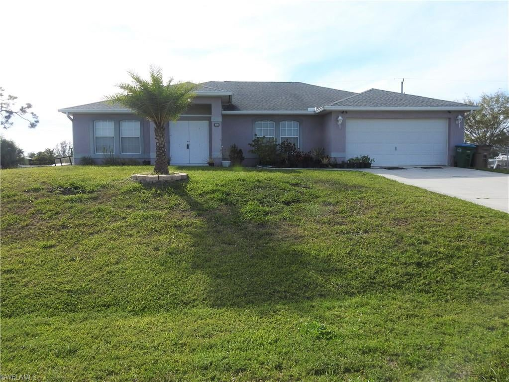 CAPE CORAL Home for Sale - View SW FL MLS #220018389 at 1944 Sw 7th Pl in CAPE CORAL in CAPE CORAL, FL - 33991