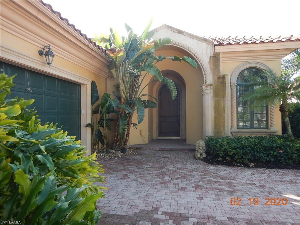 SW Florida Real Estate - View SW FL MLS #220019466 at 2690 Firebush Ln in GREY OAKS in NAPLES, FL - 34105
