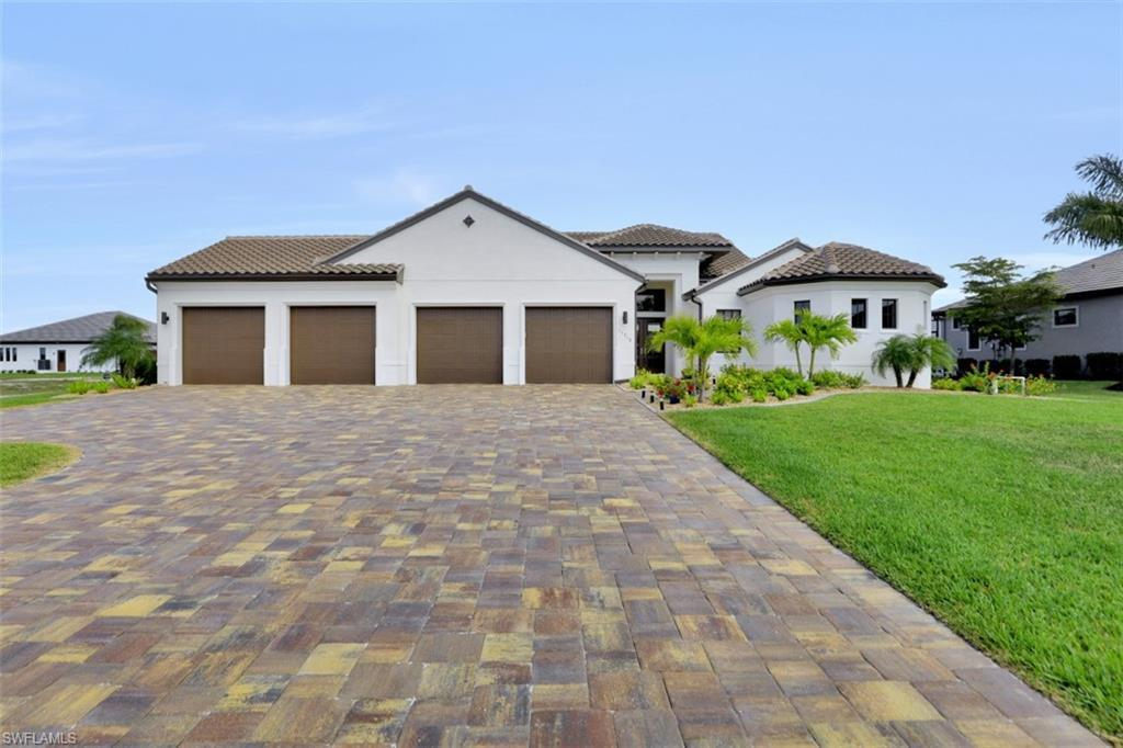 SW Florida Home for Sale - View SW FL MLS Listing #220022400 at 11716 Royal Tee Cir in CAPE CORAL, FL - 33991