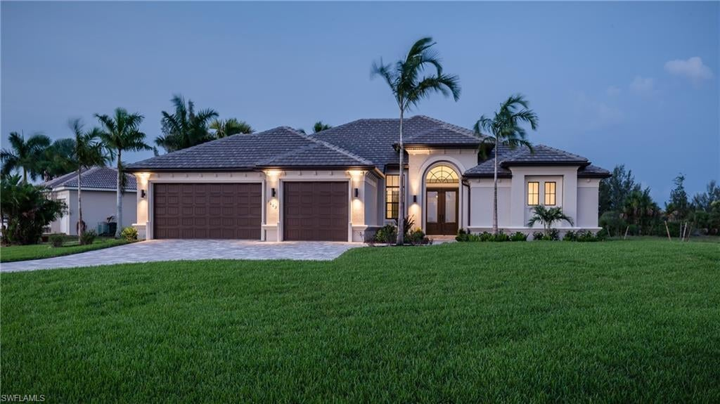 CAPE CORAL Real Estate - View SW FL MLS #220024516 at 428 Nw 32nd Pl in CAPE CORAL at CAPE CORAL