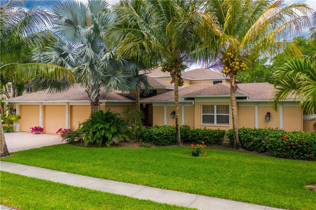CARILLON WOODS Home for Sale - View SW FL MLS #220025217 at 62 Timberland Cir S in CARILLON WOODS in FORT MYERS, FL - 33919