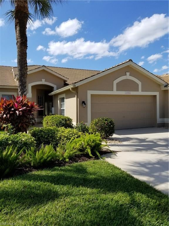 FORT MYERS Real Estate - View SW FL MLS #220026480 at 14906 Hickory Greens Ct in VILLAS AT OLDE HICKORY at OLDE HICKORY GOLF & COUNTRY CLUB