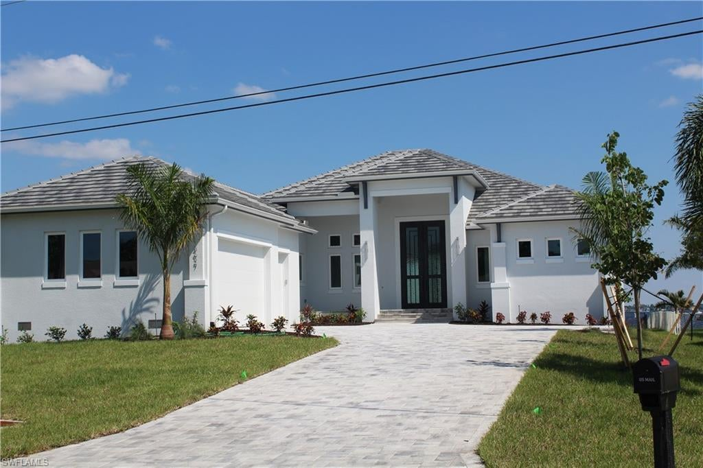 SW Florida Home for Sale - View SW FL MLS Listing #220028953 at 3627 Se 21st Pl in CAPE CORAL, FL - 33904