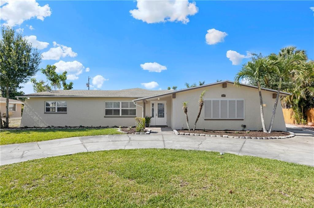 SW Florida Home for Sale - View SW FL MLS Listing #220030549 at 2413 Jasper Ave in FORT MYERS, FL - 33907