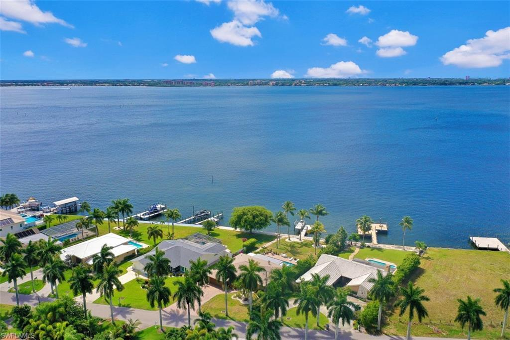 SW Florida Home for Sale - View SW FL MLS Listing #220030367 at 256 Bayshore Dr in CAPE CORAL, FL - 33904