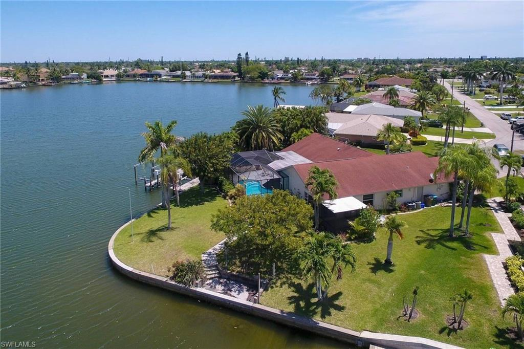 CAPE CORAL Real Estate - View SW FL MLS #220031153 at 513 Sw 49th Ln in CAPE CORAL in CAPE CORAL, FL - 33914